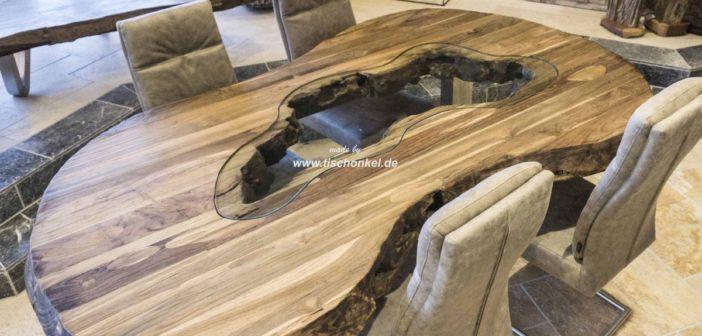 Esstisch oval aus recyceltem Holz